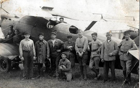 Old postcards aviation, aircraft Avion armée