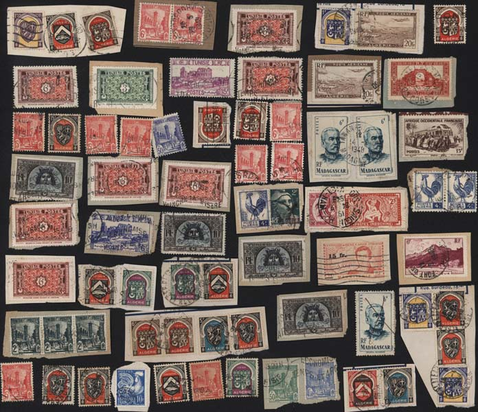 Timbres postes Selling stamps Monde divers